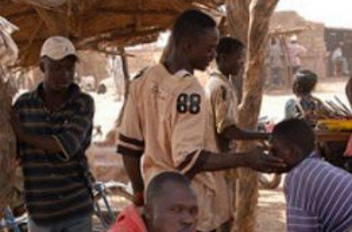 Article : Les bonnes manières n'étaient pas africaines